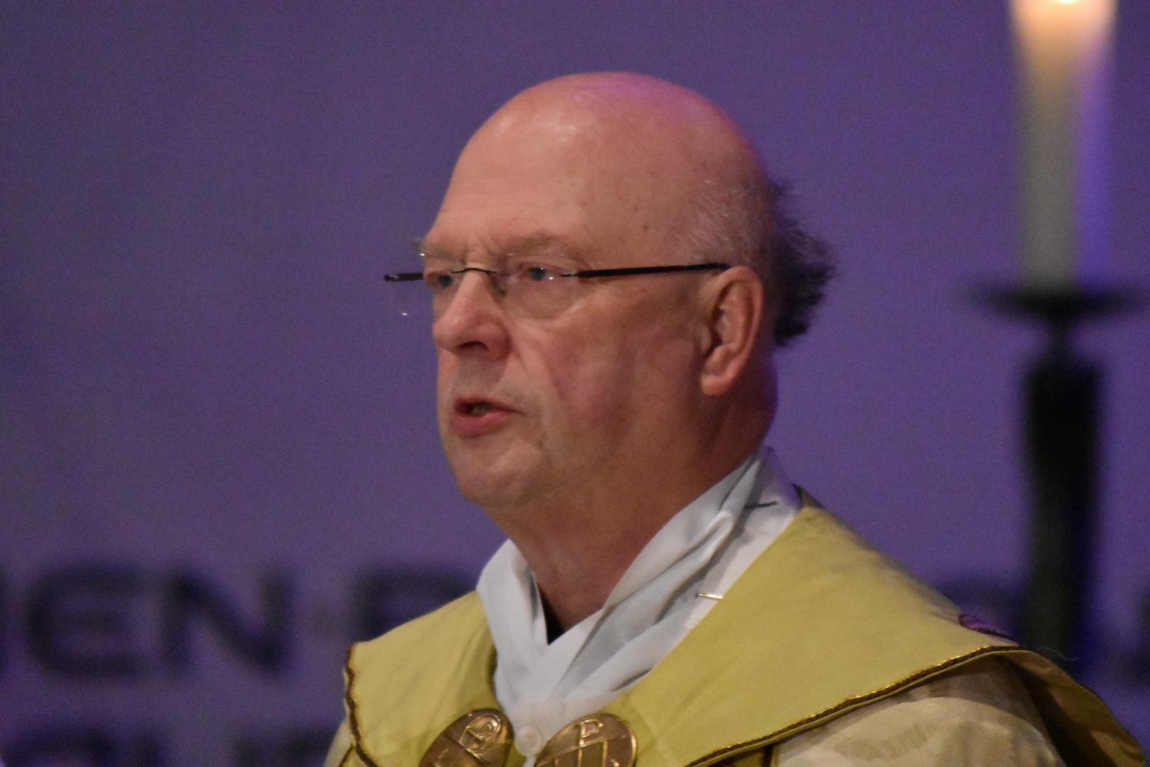 Generalvikar Alfons Hardt feiert mit uns die erste Vesper des Hochfestes.