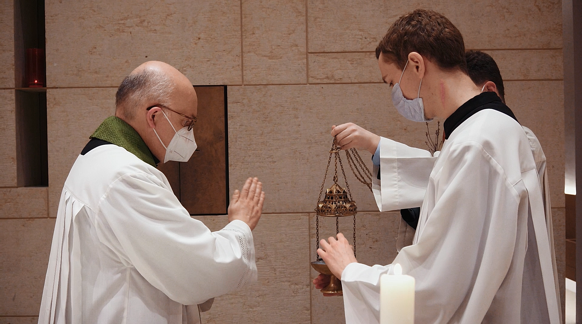Priester werden - Priester gesucht (Video)